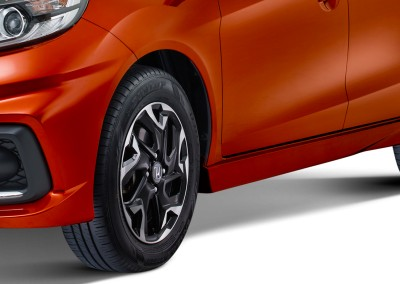New 15inc Sporty Alloy Wheel Design (Tipe RS)