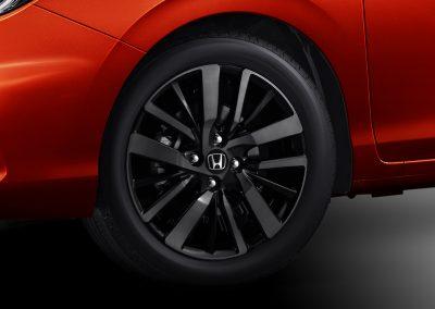 16 Sporty Alloy Wheel